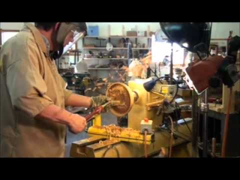 TURNING A (WET) WOOD BOWL ON THE LATHE:  PART 2, (INSIDE OF BOWL)